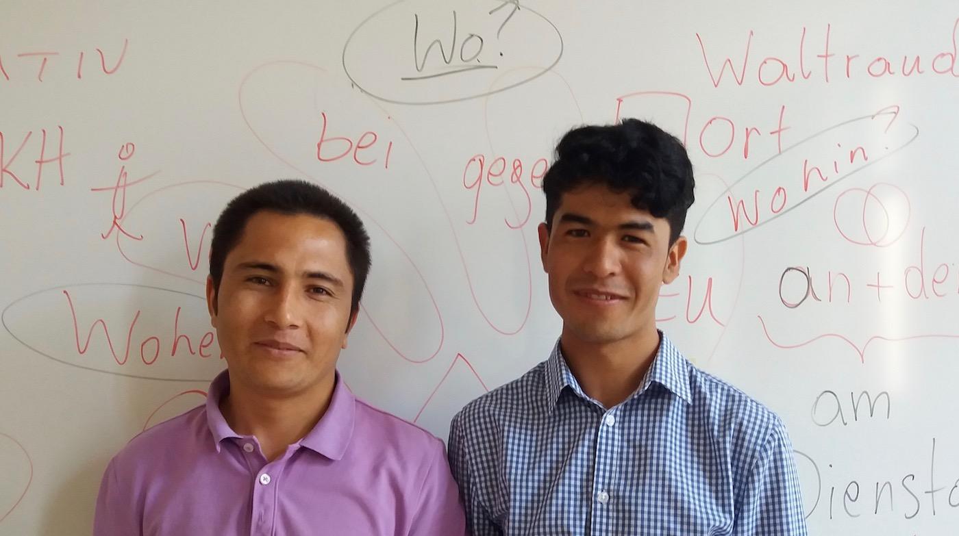 Zwei motivierte junge Burschen